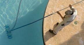 Herramientas para el mantenimiento de una piscina