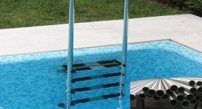 ¿Qué calidad de acero necesitamos para escaleras de piscinas?