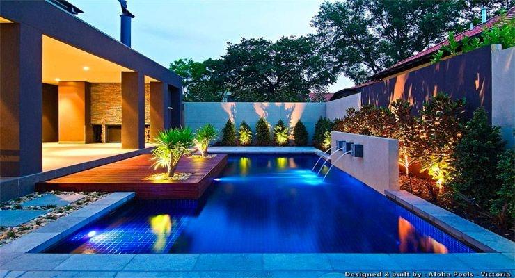 Consejos para iluminar correctamente la piscina la web for Que piscina es mejor